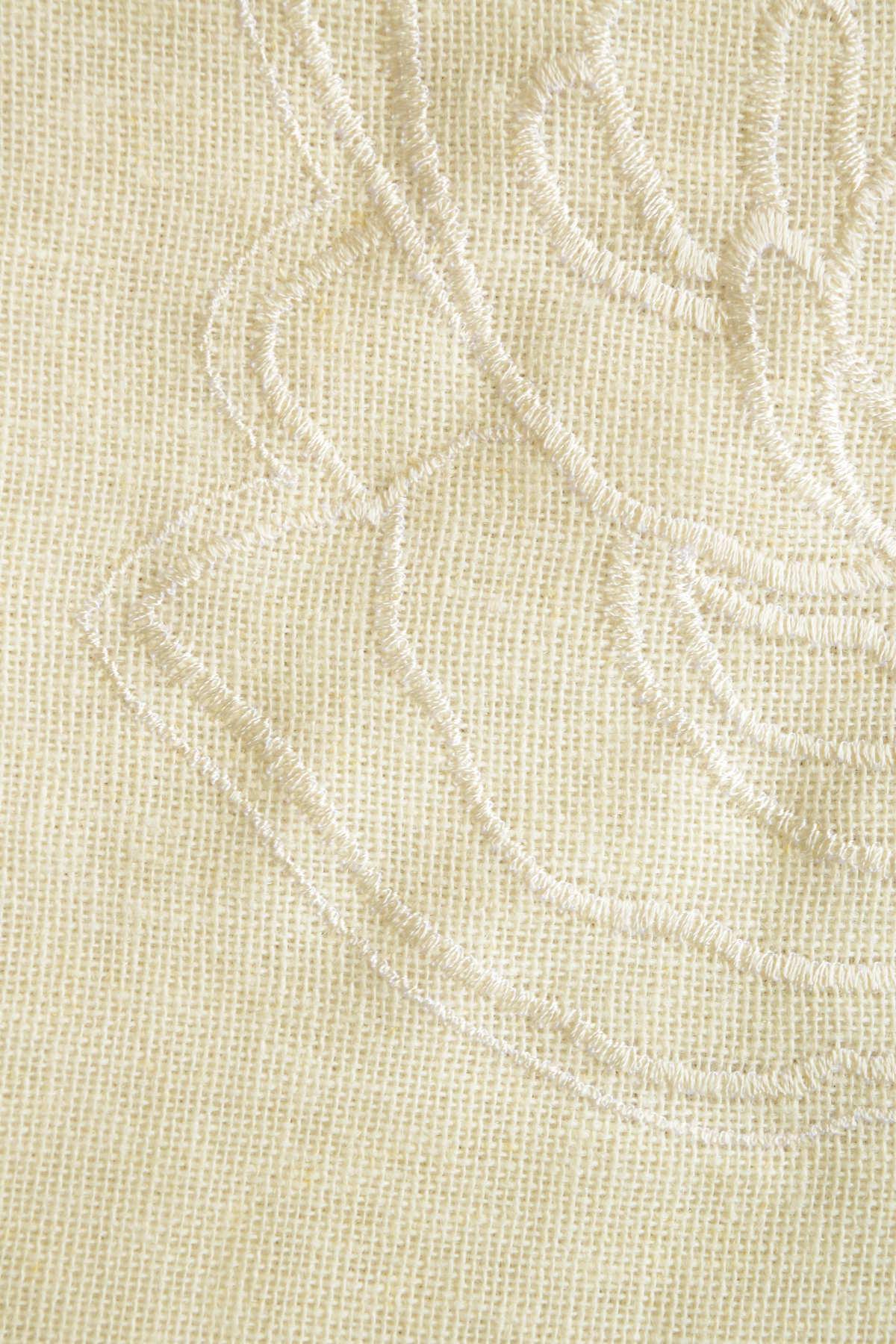 刺繍ばらカーテン④