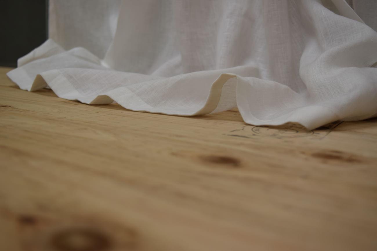 リノモデラ ホワイト 裾